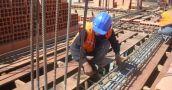 El empleo registrado en la construcción ya acumuló 20 meses consecutivos en baja