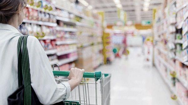 El consumo en los supermercados de la provincia bajó casi un 14% en términos reales