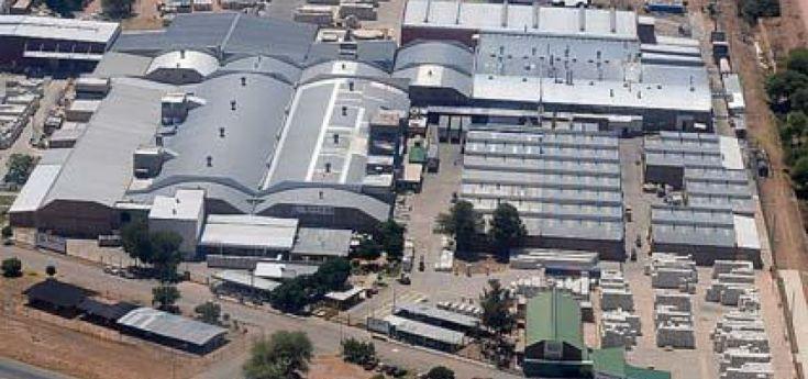 Parque industrial: las empresas están habilitadas pero trabajan con menos personal