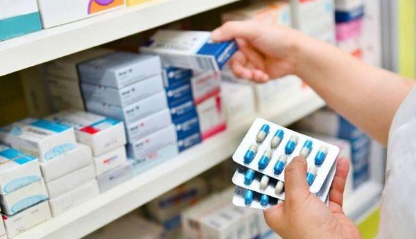 Cuarentena: pese a estar exceptuadas cayeron fuerte las ventas en farmacias y ferreterías