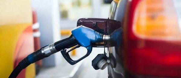 El consumo de combustibles disminuyó un 34,6% en julio
